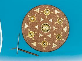 Bild  Kampfschild Holz mit Lederbezug
