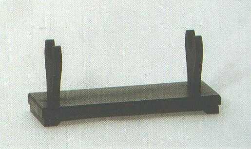 Tischständner für ein Samuraischwert.
